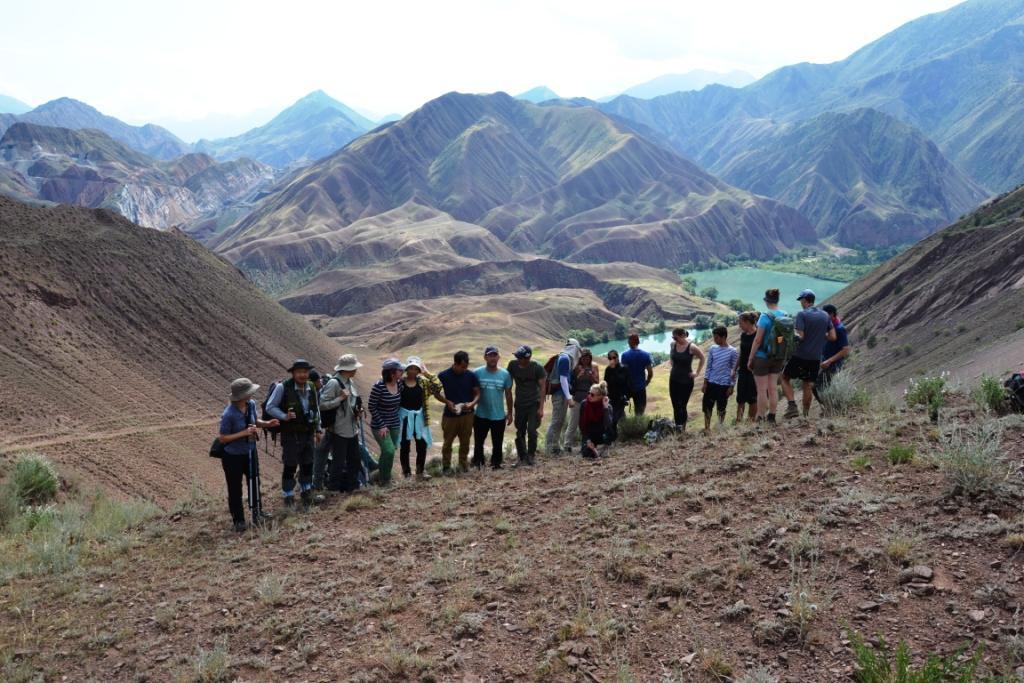 Общее фото участников во время полевого выезда